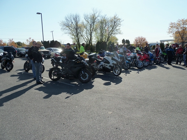riders at breakfast for april 7 ride